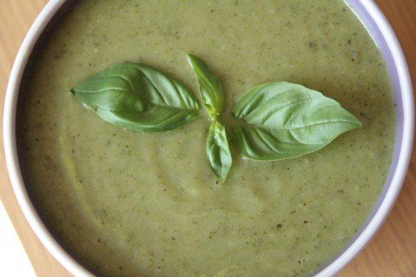 Fesleğenli Brokoli Çorbası Tarifi